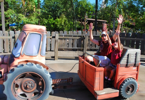 Mater's Junkyard Jamboree ride, Cars Land
