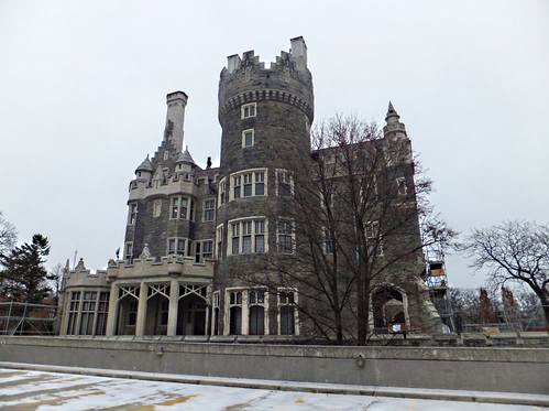Toronto 39 s casa loma castle at christmas time for Casa loma mansion toronto