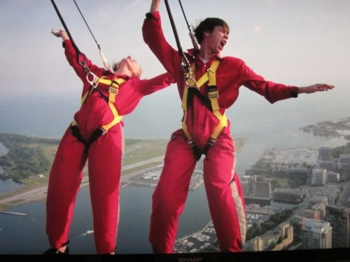 Teens CN Tower EdgeWalk Experience