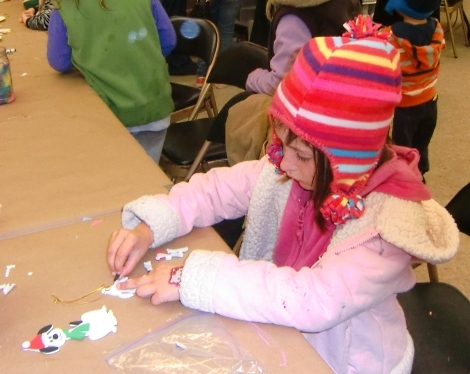 Crafts at San Diego Botanic Garden holiday festival