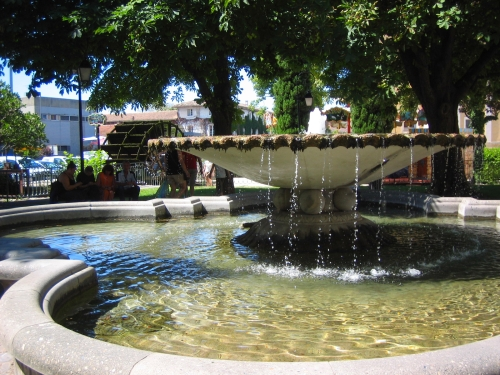 Fountain in Isle-sur-la-Sorgue, France