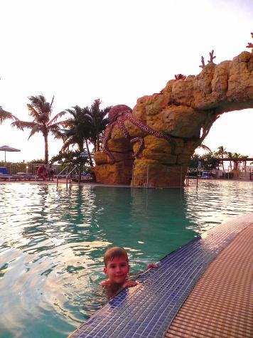 Pink Shell Resort Octopool