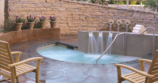 Spa Esmeralda outdoor whirlpools with waterfalls (Photo credit: Renaissance Esmeralda)