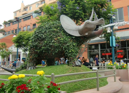 Third Street Promenade fountain in Santa Monica, California