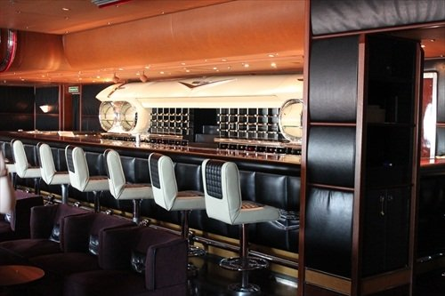 Disney Wonder piano bar