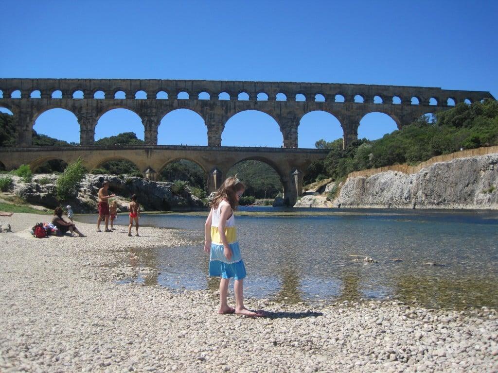 Relaxing afternoon at Pont du Gard