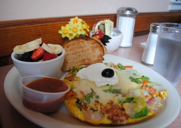My muy delicioso New Mexico Sausage Omelette at Katy's Place