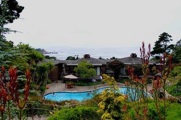 Pool-front Hyatt Carmel Highlands rooms with an ocean view