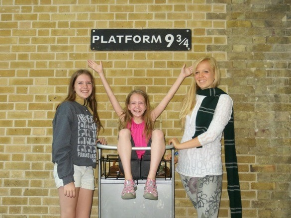 London King's Cross Station at Platform 9 3/4 for Harry Potter fans