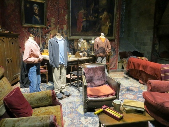 Warner Bros. Studio Tour London: The Making of Harry Potter - Gryffindor Common Room