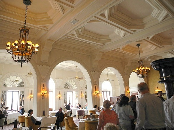 Breakfast room at Hotel Phoenicia