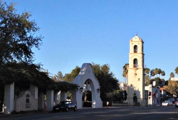 Ojai, California's quaint downtown