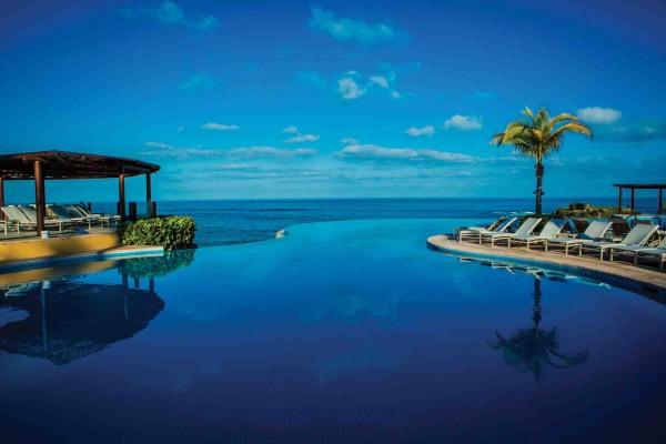 Four Seasons Punta Mita infinity pool