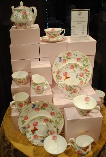 Want to experience the Empress Tea at home? Purchase this exclusive tea set from the Fairmont Empress