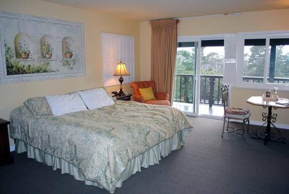 Hofsas House guest room