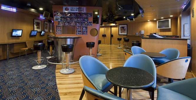 Carnival's Teen Hangout: Club O2 (Photo Credit: Carnival Cruise Lines)