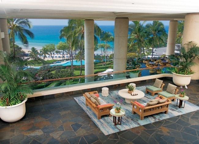 Hapuna Beach Prince Hotel lobby bar