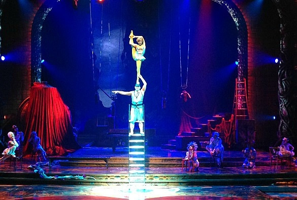 Zarkana provides a taste of several types of Cirque du Soleil shows, all rolled into one