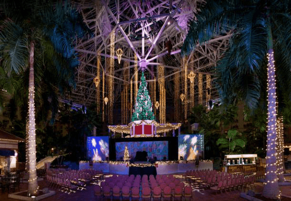 The stage is set for live holiday entertainment at Gaylord Palms near Orlando in Florida (Photo credit: Marriott International)