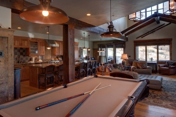 Many Wyndham Vacation Rentals come with extra perks...like a pool table to entertain the whole family! (Photo credit: Wyndham Vacation Rentals)