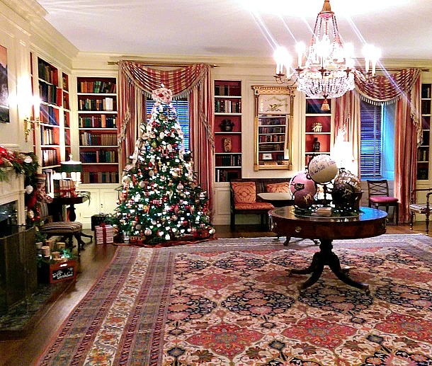 White House Library decked out for the holidays (Photo credit: Colleen Lanin)