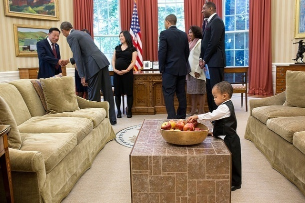 A healthy bowl of apples in the Oval Office (Photo credit: The White House)