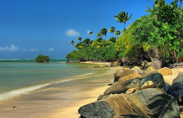 Beaches abound in Puerto Rico (Photo credit: Jose Zayas, Creative Commons 2.0, Flickr)