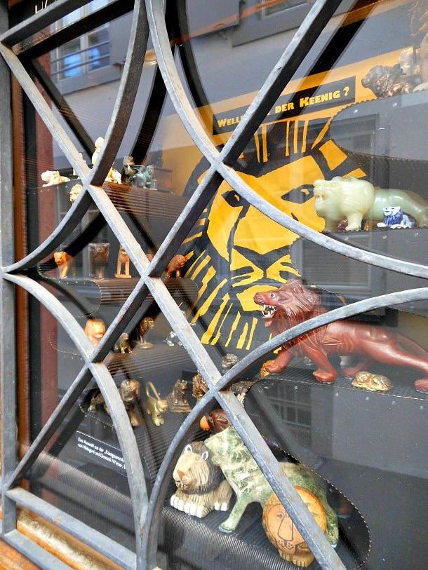 The smallest museum in Basel, Hoosesaggmuseum
