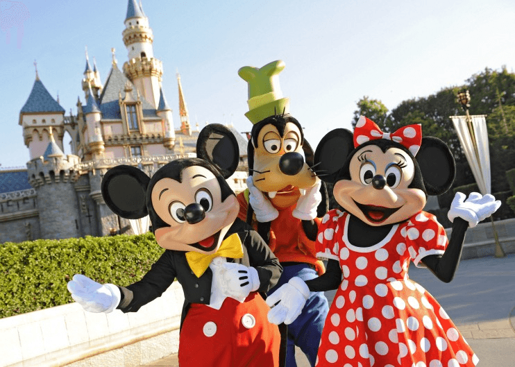 Take advantage of Disney's PhotoPass if your smart phone or camera dies at Disneyland