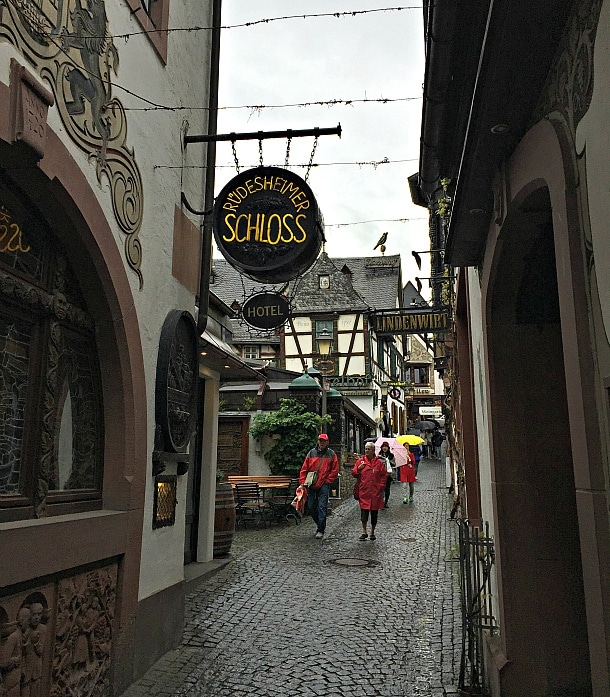 The lively Drosselgasse pedestrian street in Rudesheim am Rhein, Germany