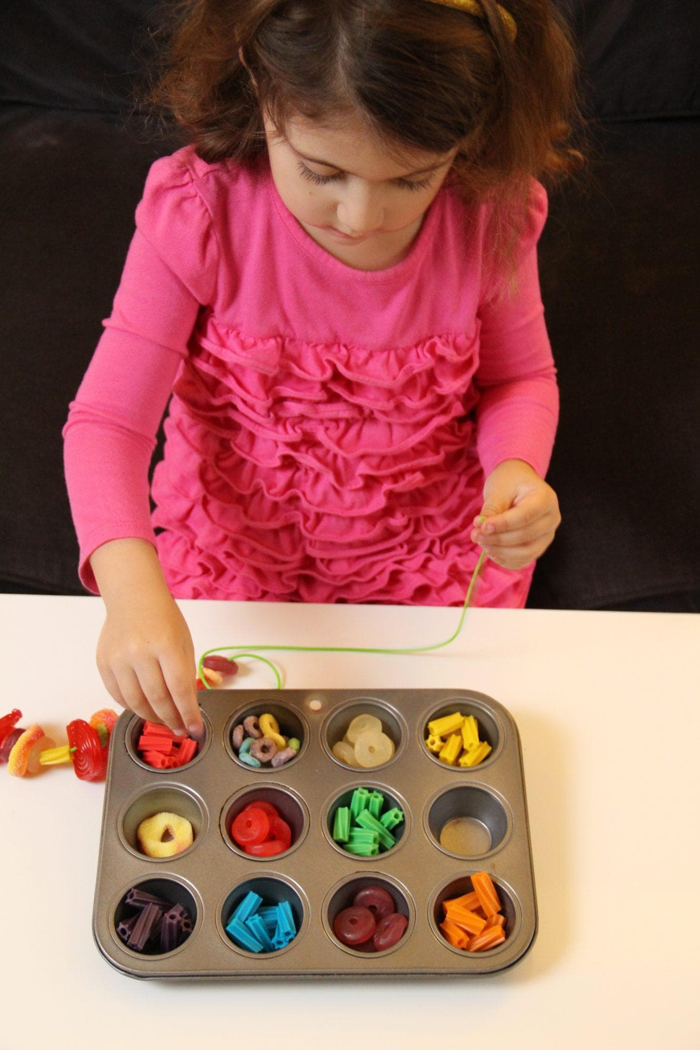 DIY candy necklace craft for your Cinco de Mayo party with kids