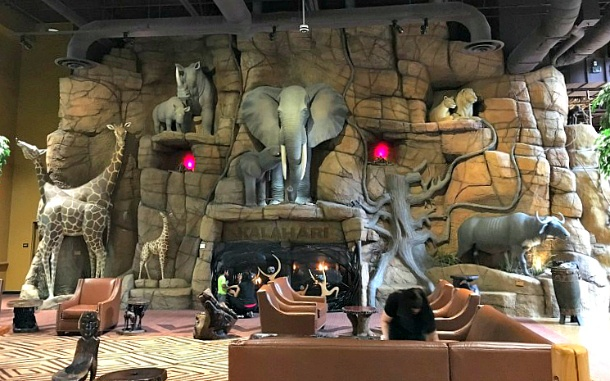 Kalahari Resort Poconos Big Five Fireplace