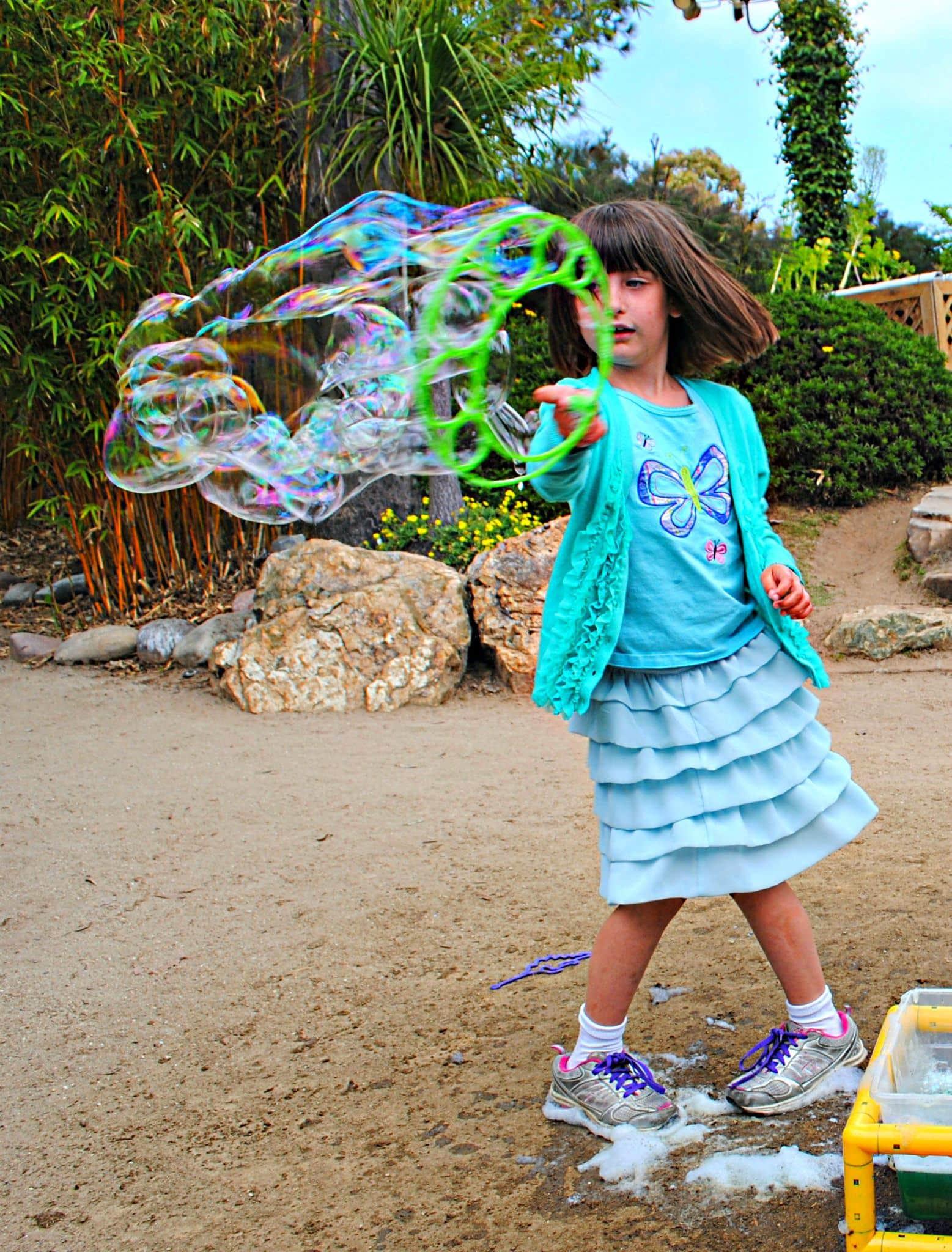 Bubble play keeps summer boredom at bay ~ 10 Fun in the Sun Summer Boredom Busters
