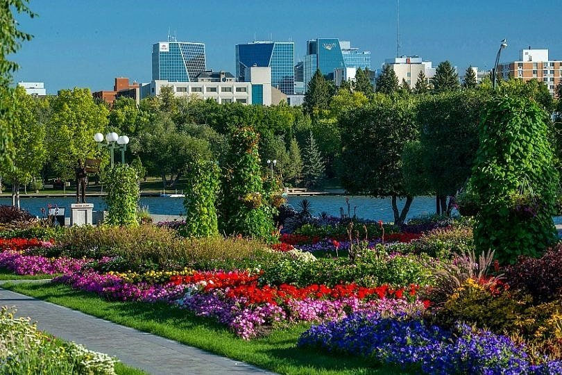 Flower Garden in Wascana Park ~ Not to miss experiences in Saskatchewan with kids