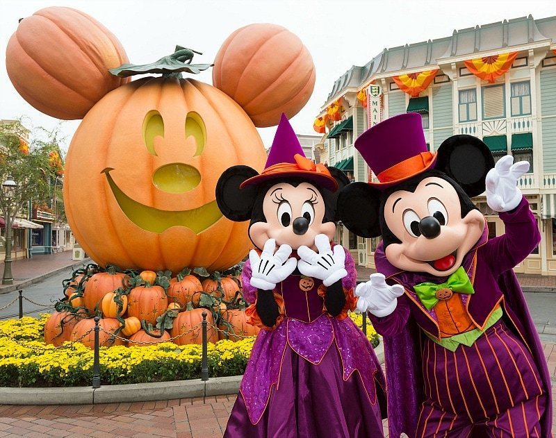 Minnie Mouse and Mickey Mouse at Disneyland during Halloween Time ~ 8 Reasons Why You'll Fall in Love with Disneyland in Fall