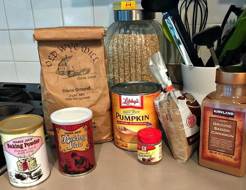 Fluffy pumpkin muffins ingredients
