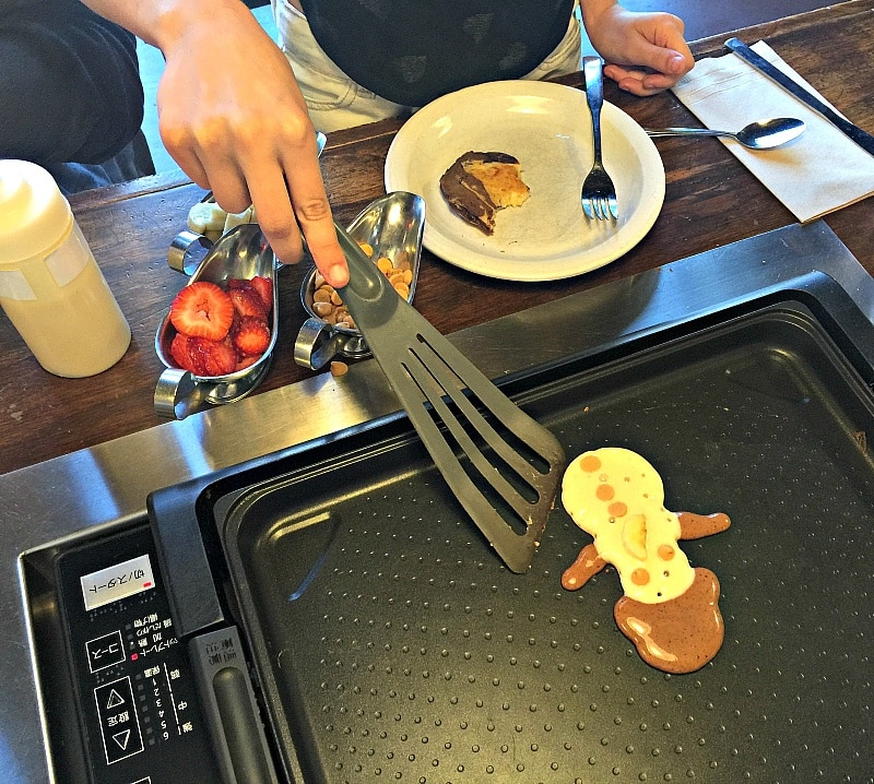 Slappy Cakes ~ Portland with Kids