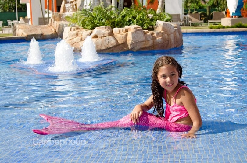 Holiday Gift Guide for Globetrotting Girls. Fin Fun Mermaid Tails turns girls into mermaids. (Photo credit: Caribephoto)