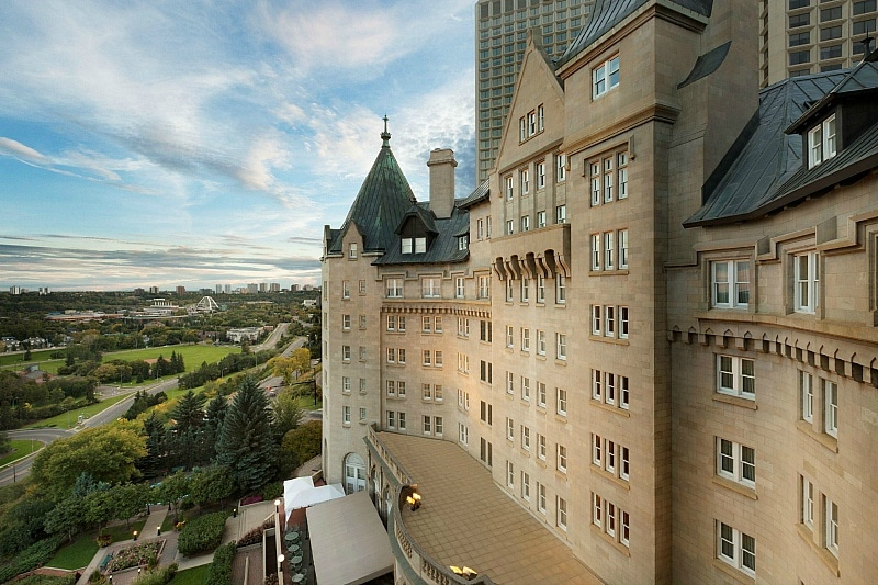 Hotel Fairmont Macdonald ~ Edmonton Girlfriend Getaway Tips