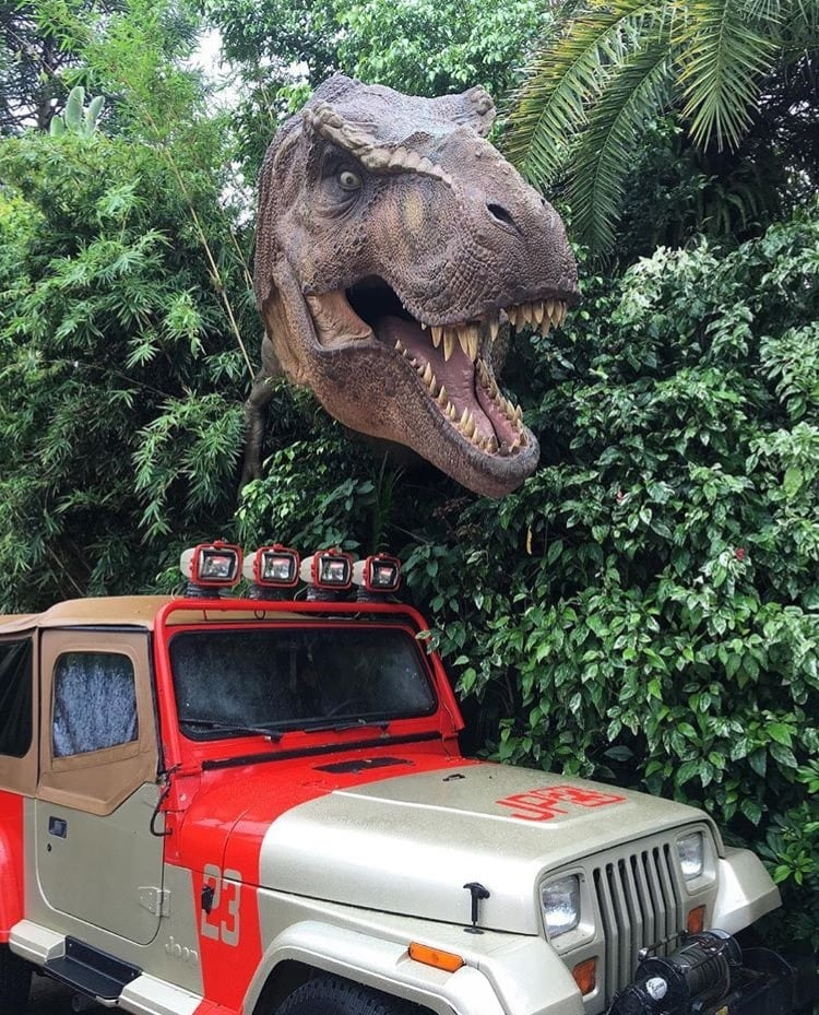 Watch out ~ objects are closer than they might appear in Jurassic Park! ~ Universal Orlando Resort Tips and Discounts