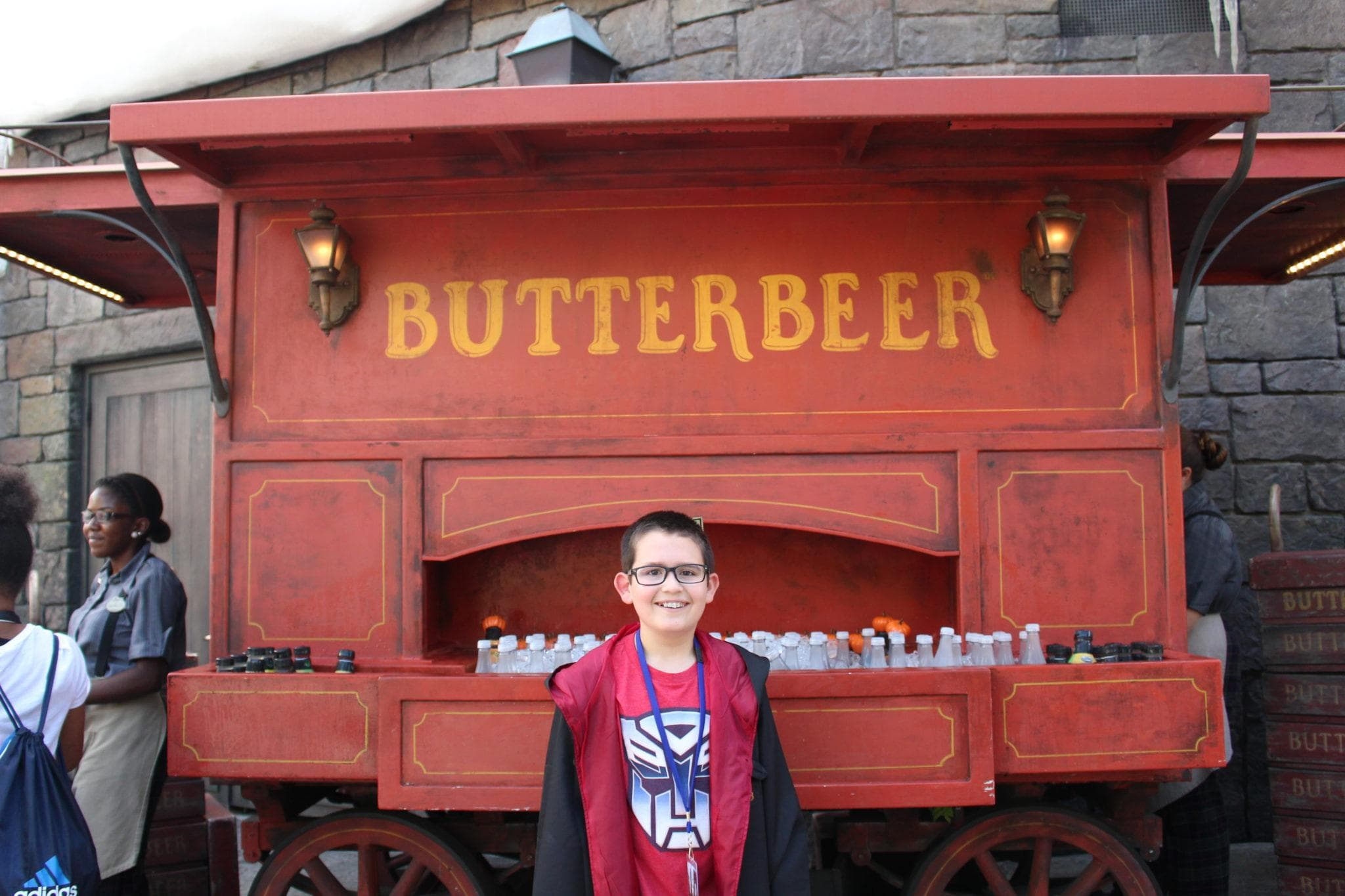Universal Orlando Resort is the only place where you can sip a sweet Butterbeer outside of London ~ Universal Orlando Resort Tips & Discounts