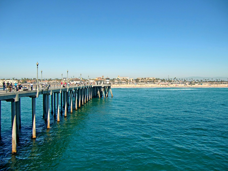Ruby's Diner is perched over the ocean on this pier ~ Huntington Beach with Kids
