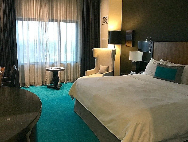 Stylish room at the Radisson Blu Hotel Mall of America ~ 30 Fun Things to Do at Mall of America Besides Shopping