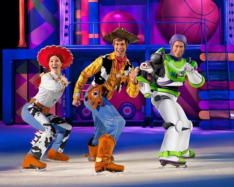 Jessie, Woody and Buzz from Toy Story skate in Disney On Ice Worlds of Enchantment ~ 8 Tips for Disney On Ice with Kids