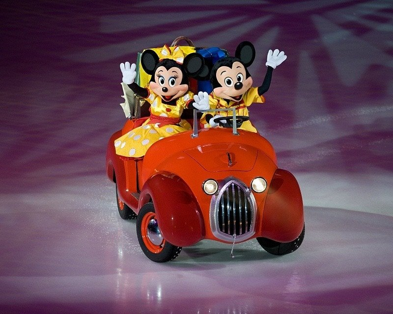 Mickey Mouse and Minnie Mouse are sure to make an appearance, no matter which Disney On Ice performance you choose ~ 8 Tips for Disney On Ice with Kids