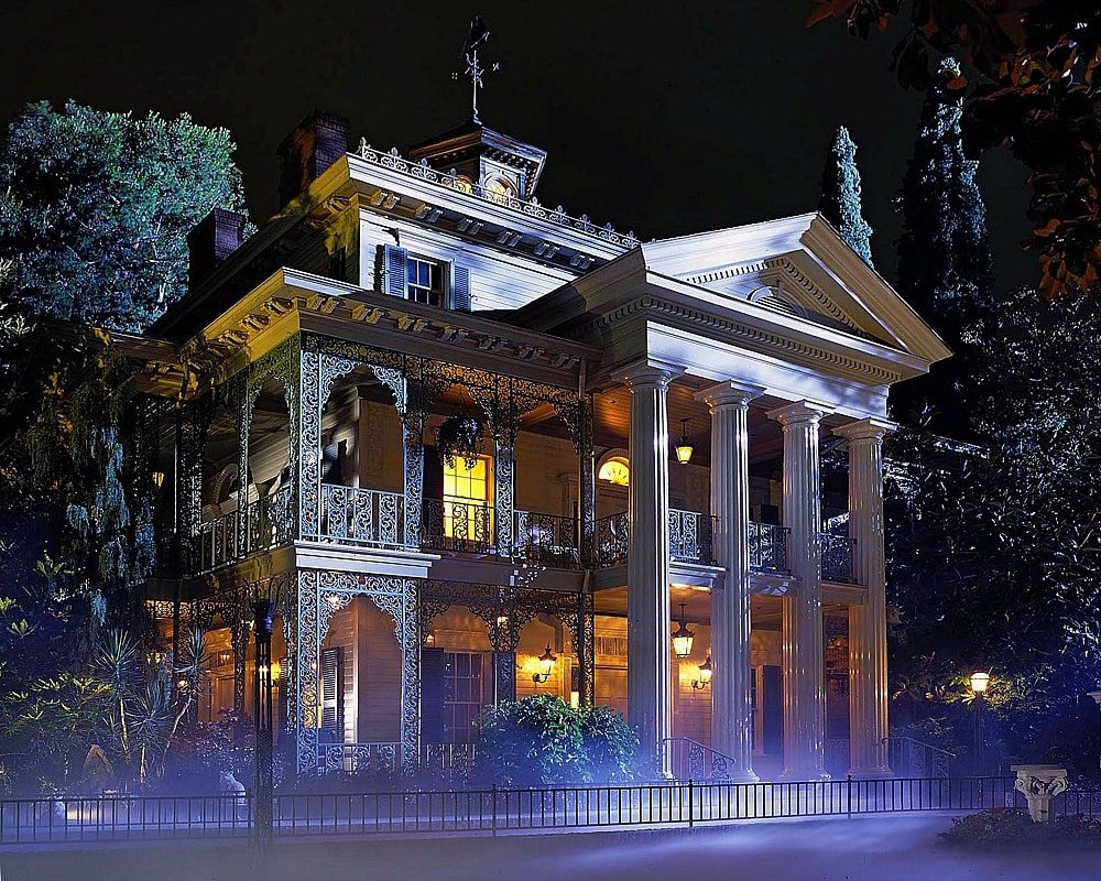 The Haunted Mansion's scariest moment occurs before you even board the ride ~ 17 Scariest Rides at Disneyland