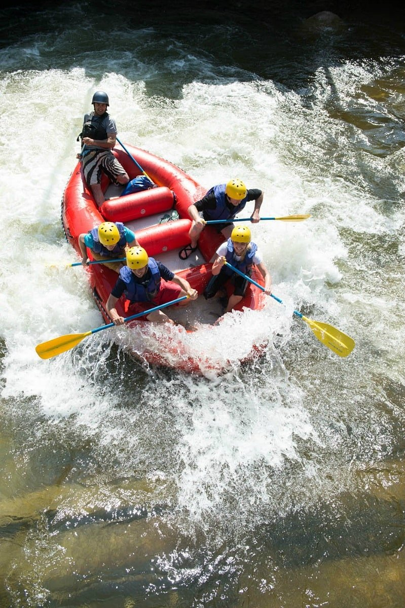 Choose your level of whitewater rafting in Vail in summer: extreme, moderate or mellow