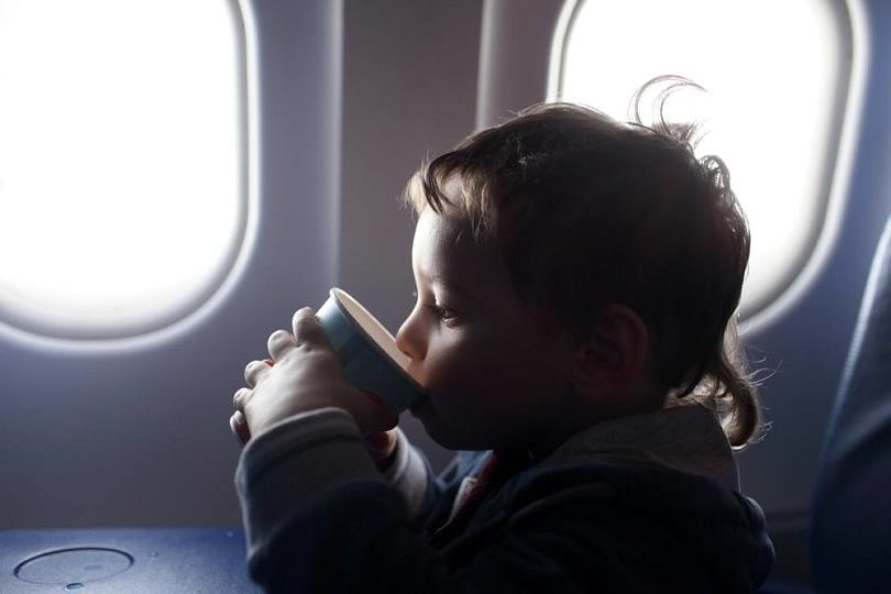 Take precautions when flying with kids with food allergies