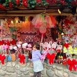 Christmas at Knott's Berry Farm with Snoopy & Friends