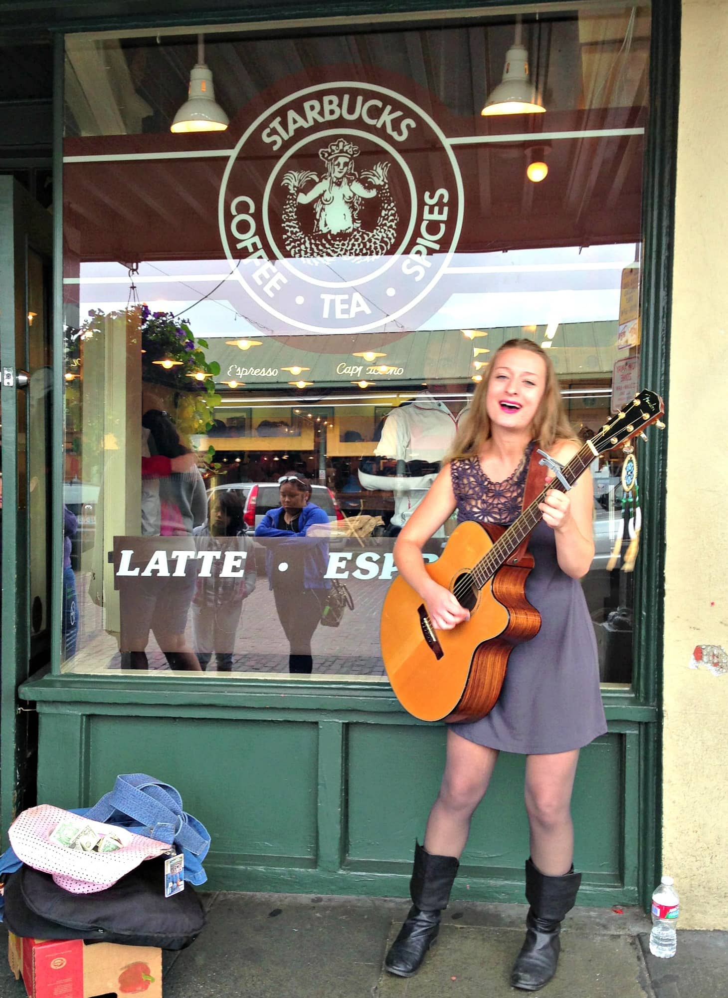 Original Starbucks ~ Seattle with Kids